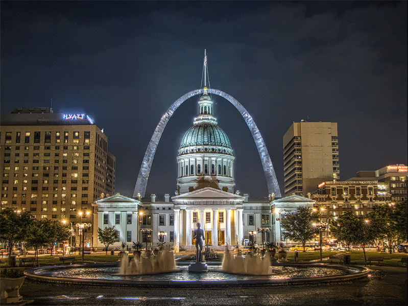 Photo of St. Louis Arch.
