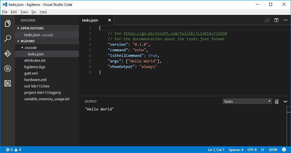 "Visual Studio Code display output of ""Hello World"""