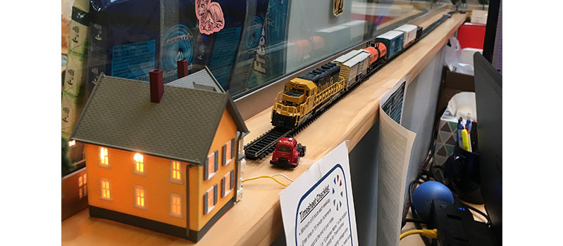 DMC Chicago FedEx Day April 2017 Model Train setup by Gina Zak.